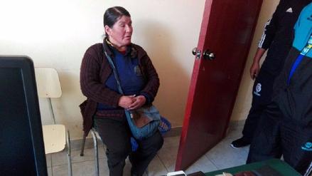 Capturan a mujer 'lustrabotas' que integraba banda de roba celulares