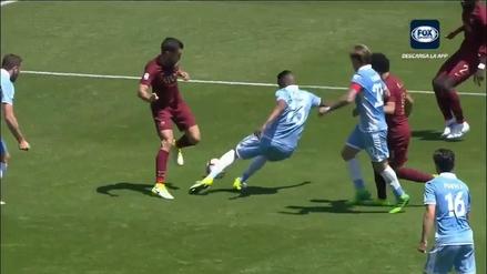Árbitro cobró un penal inexistente para la Roma en pleno Clásico ante Lazio