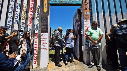 La frontera de San Diego-Tijuana se abrió por unos minutos para las familias separadas