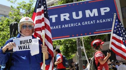 Latinos marcharon en apoyo a las políticas antiinmigrantes de Trump