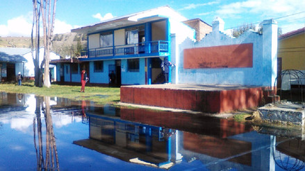 Centro educativo de Orcotuna se inundó con aguas servidas