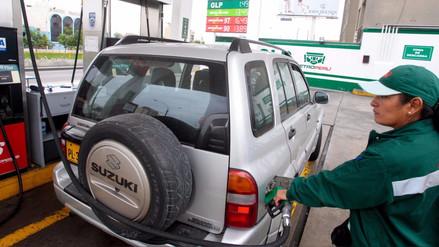 Opecu: Repsol y Petroperú bajaron precios de combustibles hasta 3.8%