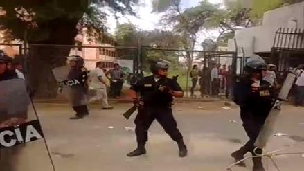 Estudiantes de la UNP se enfrentaron con la Policía