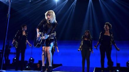 Taylor Swift prepara nuevo material discográfico