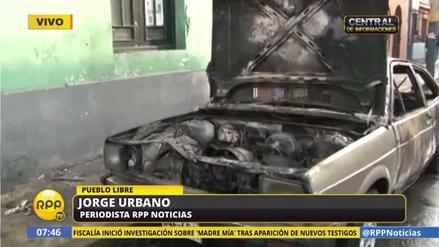 Bomberos controlaron incendio de vehículo en Pueblo Libre