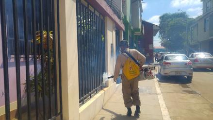 La Diresa y el Ejército fumigan a diario 20 mil casas en Piura