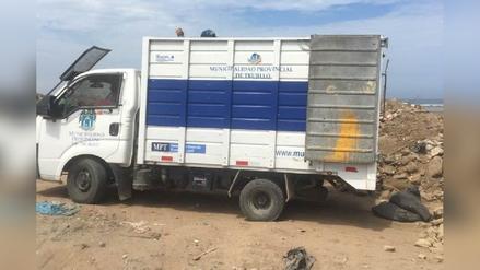 Trujillo: captan vehículo edil arrojando basura en Vía de Evitamiento