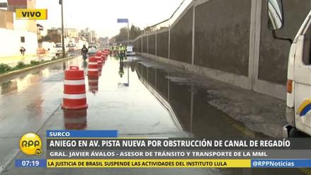Un aniego afectó la avenida Pista Nueva en San Juan de Miraflores
