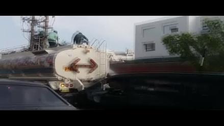 San Borja: Cisterna municipal moja autos de vecinos