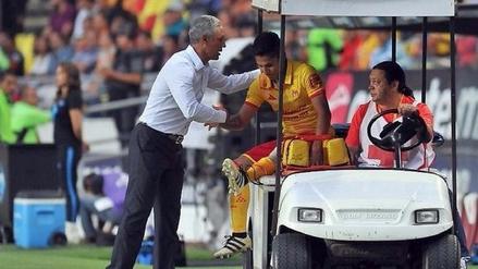 """Jorge Alva: """"Raúl Ruidíaz podría llegar al partido contra Jamaica"""""""