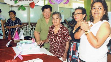Lambayeque: EsSalud celebra a madre más longeva de Centro del Adulto Mayor