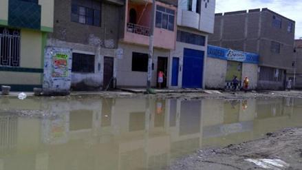 Familias afectadas por constante colapso de desagües en José Leonardo Ortiz