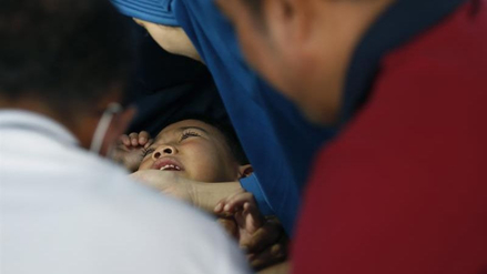 Realizan una ceremonia de circuncisión masiva en Tailandia