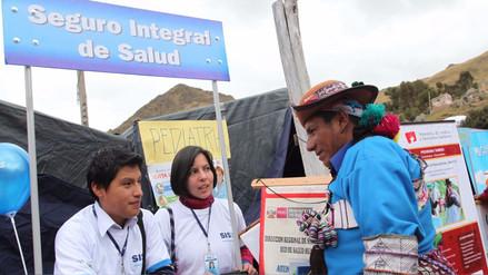 SIS: Peruanos de ingresos medios podrían entrar el 2018 dando aportes
