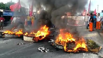 Trabajadores de construcción civil bloquearon carretera Iquitos-Nauta