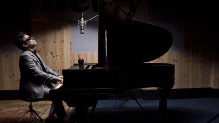 Andrés Calamaro lanza en YouTube la versión acústica de 'Flaca'