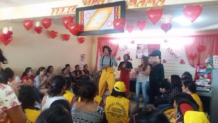 Policía de Leonardo Ortiz rinde homenaje a madres de juntas vecinales