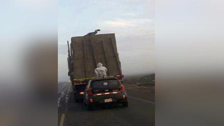 Trujillo: Delincuentes roban mercadería de un tráiler en plena carretera