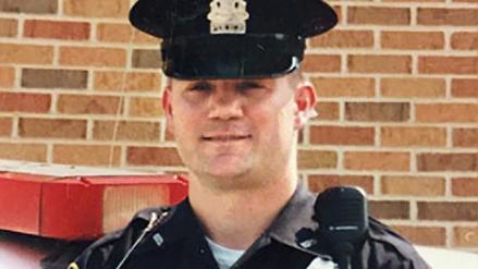 Un policía que descubrió ser afroamericano a sus 47 denunció ser víctima de racismo