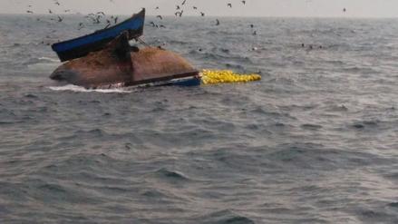 Pescador desaparece tras naufragio de embarcación en Chimbote