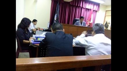 Perito contable se presenta en audiencia de investigación contra alcaldesa