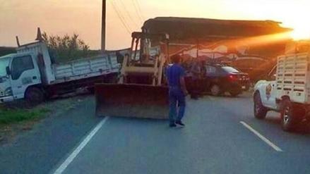 Laredo: triple choque deja seis heridos