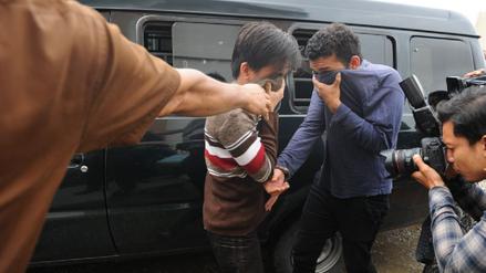 Condenan a una pareja homosexual a 85 varazos en Indonesia