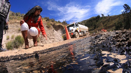 Cisterna derramó líquido asfáltico y contaminó fuentes de agua en Caylloma