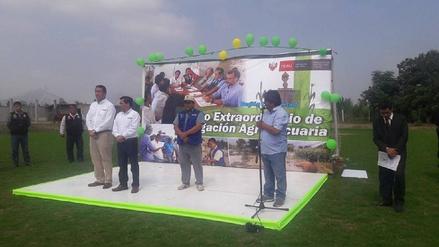 Virú: ministro de Agricultura entrega bonos a 500 agricultores
