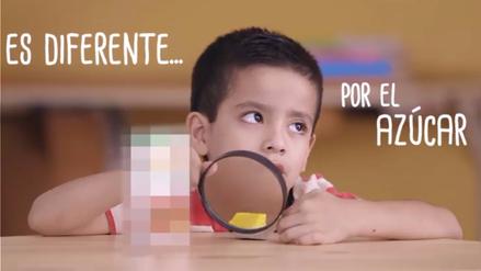 Niños descubren los ingredientes de los jugos envasados en un video viral