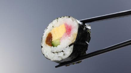 Parásitos y bacterias amenazan tu gusto por el sushi y los makis