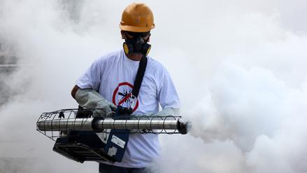 La fumigación puede exterminar al mosquito del dengue