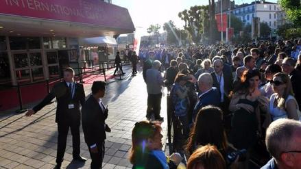 Público del festival de Cannes evacúa debido a falsa alarma de atentado