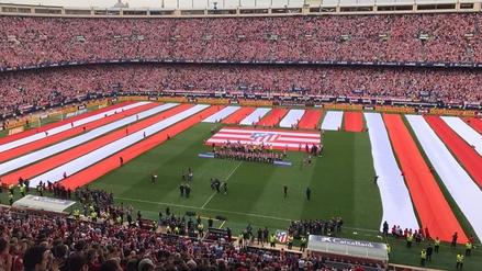 Hinchas del Atlético hicieron impresionante despedida al Vicente Calderón