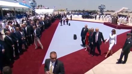 El gesto de Melania con Donald Trump generó especulaciones en Estados Unidos