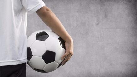 Cuando respirar duele: la historia de un adolescente que sufre de asma y ama el fútbol