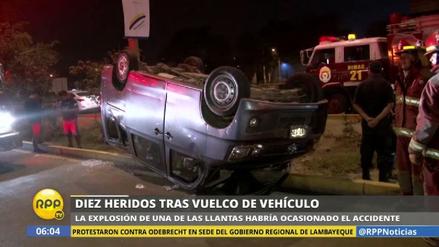 Al menos 10 heridos al volcarse una miniván informal en Chosica