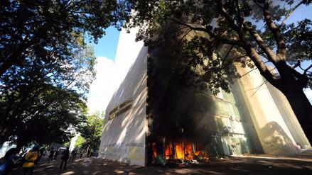 Manifestantes contra Temer incendian el Ministerio de Agricultura en Brasil