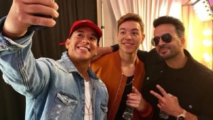 "Luis Fonsi y Daddy Yankee se presentan en ""The Voice"""