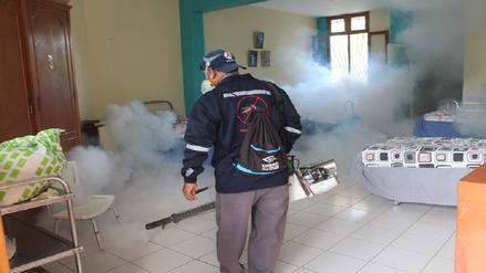 Más de 380 mil casas de seis distritos de Piura fueron fumigadas