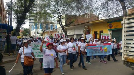 Realizaron marcha de respaldo a policías investigados por ejecuciones extrajudiciales