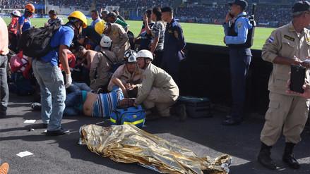 Una avalancha en un estadio de fútbol en Honduras dejó cuatro muertos