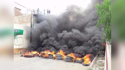 Trujillo: mujer herida y dos detenidos deja violento desalojo