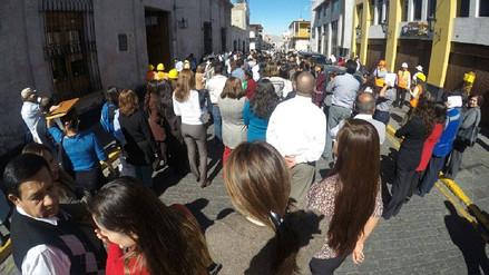 Población y autoridades participaron activamente en simulacro de sismo