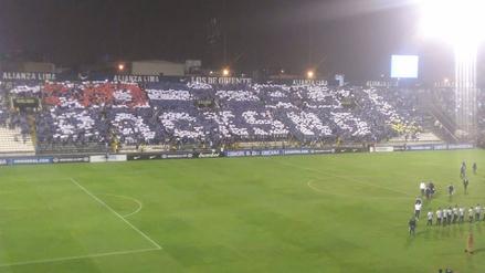 Alianza Lima realizó un mosaico en la previa al duelo con Independiente