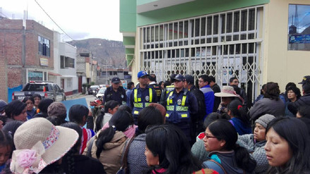 Toman instalaciones de Ugel Tarma por racionalización docentes
