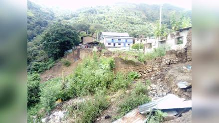 Zozobra por deslizamiento de tierra en Cutervo
