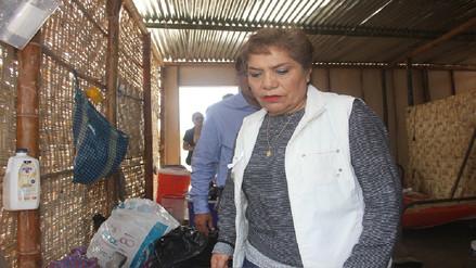Luz Salgado recorrió zonas afectadas por el desborde del río Piura