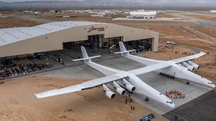 El mayor avión jamás construido comenzó sus pruebas en Estados Unidos