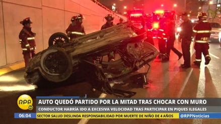 Un auto se partió en dos tras un violento choque en San Borja